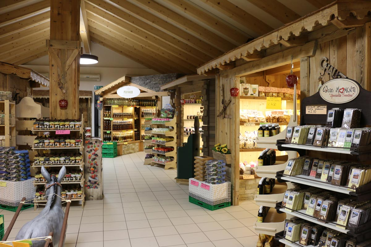 Mercatino del tipico ad Andalo (Trentino)